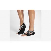 Η κα πάνινα παπούτσια Nike studio wrap 4 women μαύρο/λευκό 811650-172