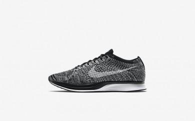 Ανδρικά αθλητικά παπούτσια Nike flyknit racer men μαύρο/λευκό 526628-008